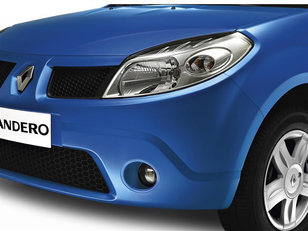 مشخصات فنی رنو ساندروB90